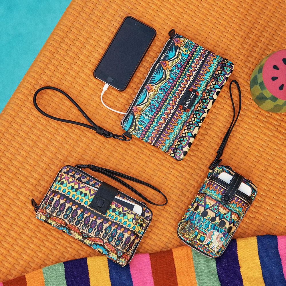 Profitez de -20€ sur l'achat d'une pochette chargeur de smartphone SAKROOTS d'une valeur de 49€
