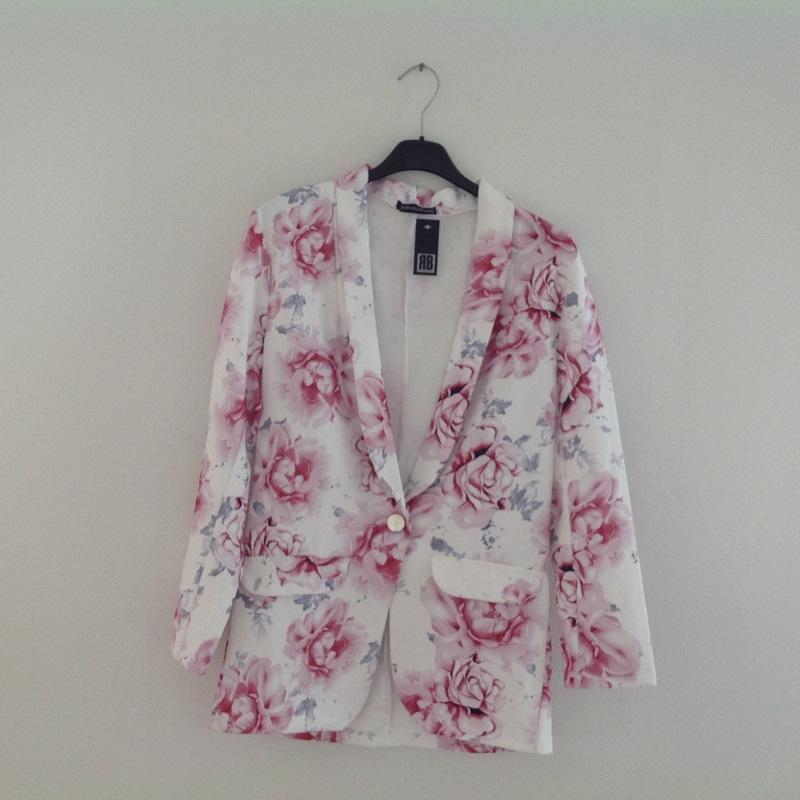 374defe4 M3 Panel - Min Panelshop - Habit jakke med roser - Rosa